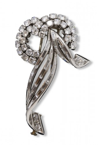 Gold and platinum brooch