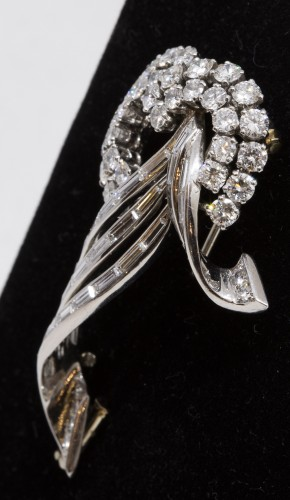 Gold and platinum brooch -