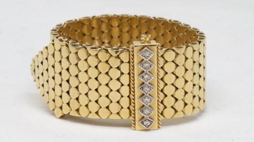 Belt bracelet -