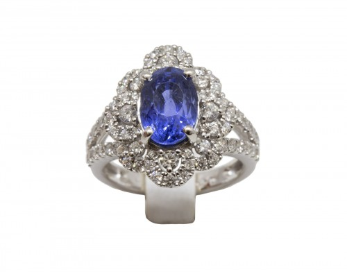 Sapphire and Diamonds Ring in 18k Gold