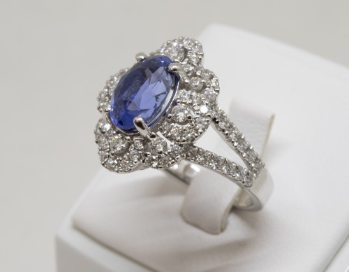 Sapphire and Diamonds Ring in 18k Gold - Antique Jewellery Style
