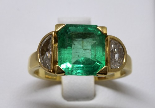 20th century - Emerald Ring
