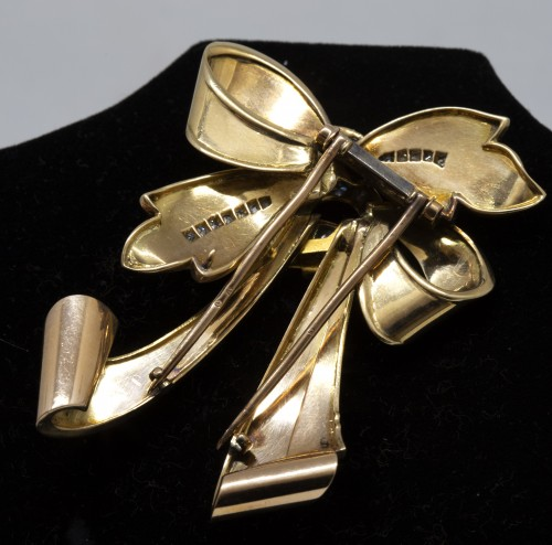 18K gold and diamonds knot brooch -