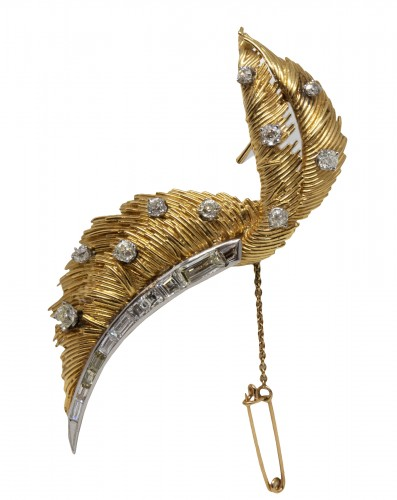 "Broche ""Plume"" en or et diamants"