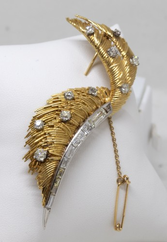 "Antique Jewellery  - ""Feather"" brooch"
