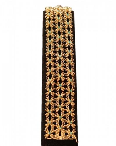 Boucheron - gold bracelet set with emerald
