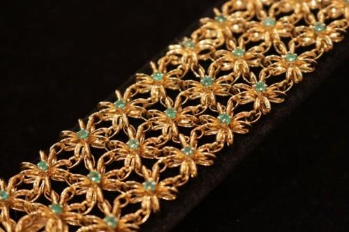 Antique Jewellery  - Boucheron - gold bracelet set with emerald