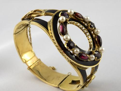 Antique Jewellery  - Napoleon III bracelet in 18K gold and black enamel