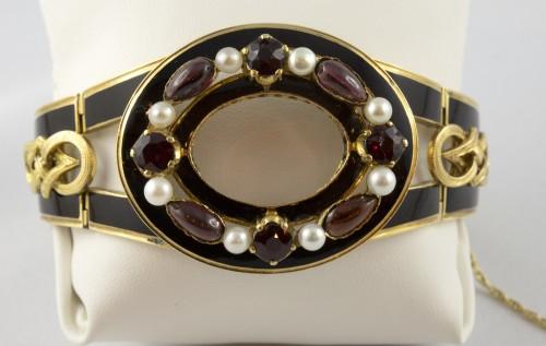 19th century - Napoleon III bracelet in 18K gold and black enamel