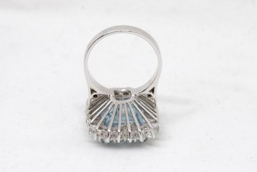 White gold ring Aquamarine and diamonds - Antique Jewellery Style