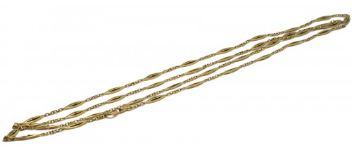Long necklace in gold
