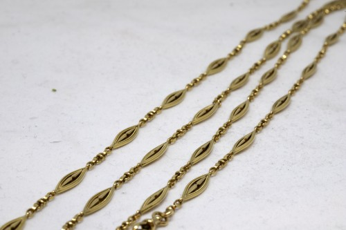 Antique Jewellery  - Long necklace in gold