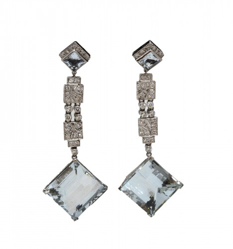 Pair of platinum art-deco ear pendants set with small diamonds aquamaries
