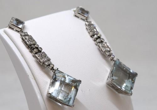 Art Déco - Pair of platinum art-deco ear pendants set with small diamonds aquamaries