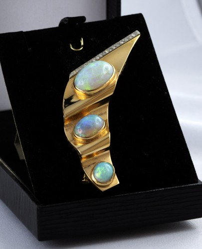 20th century - Brooch in Gold opal and diamonds