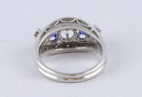 Ring in 18K Gold, diamonds and sapphire -