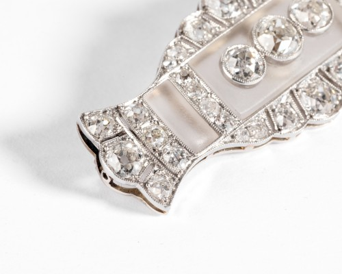 Antique Jewellery  - Platinum and rock crystal art-deco brooch, set with diamonds