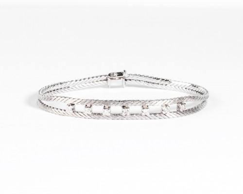 Anglais  Gold and Diamonds Bracelet -