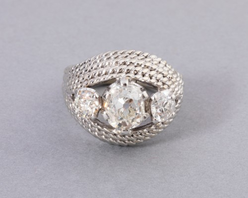Platinum ring set with TA diamonds -