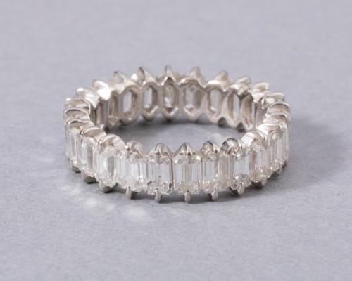 Antique Jewellery  - Gold wedding ring set with diamonds
