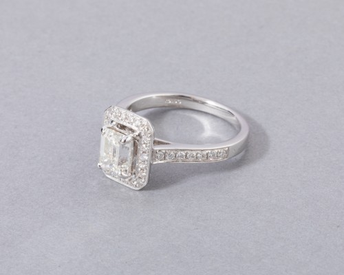 18k white gold ring set with a diamond - Antique Jewellery Style