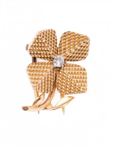 18k gold brooch depicting a 4-leaf clover Circa 1950/1960