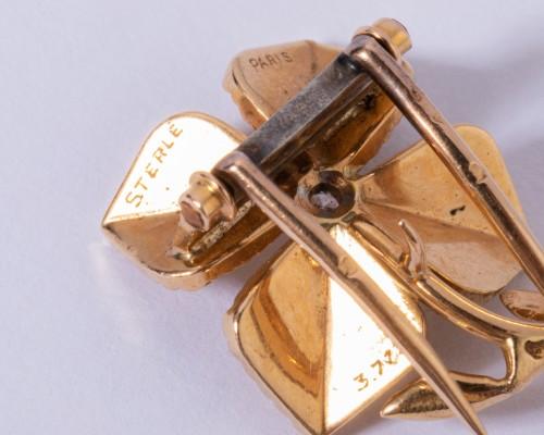 Antique Jewellery  - 18k gold brooch depicting a 4-leaf clover Circa 1950/1960