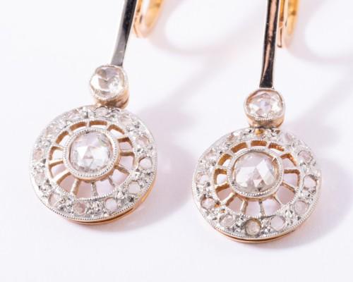 Antique Jewellery  - 18k gold drop earrings set with a diamond