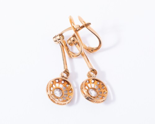 20th century - 18k gold drop earrings set with a diamond