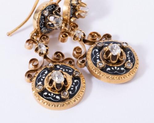 Enamelled 18k gold earrings, set with small diamonds -