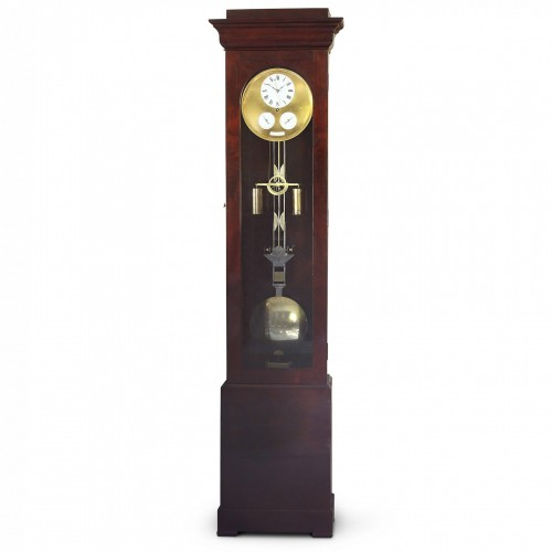 Precision calendar floor-standing regulator with experimental pendulum