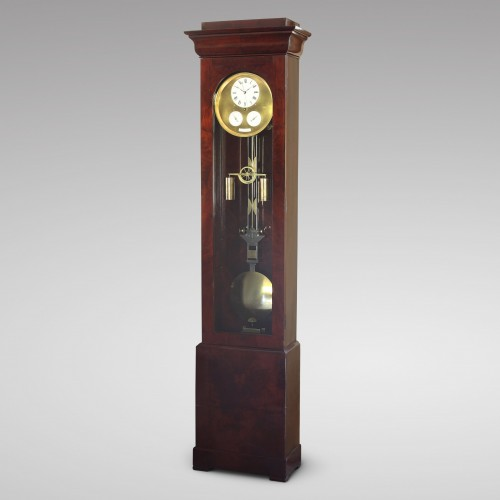 Precision calendar floor-standing regulator with experimental pendulum - Horology Style Louis-Philippe