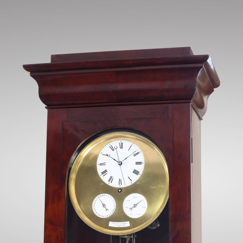 Clocks  - Precision calendar floor-standing regulator with experimental pendulum