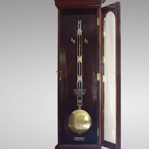 Antiquités - Precision calendar floor-standing regulator with experimental pendulum