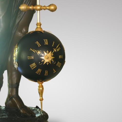 Antiquités - Large-Scale Torsion Mystery Clock
