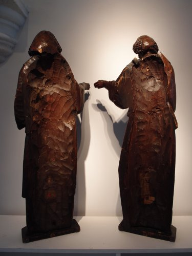 Two standing angels circa 1550 - Sculpture Style
