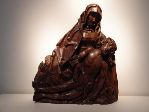 A group representing the pieta - Sculpture Style