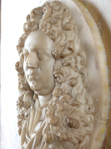 Alabaster portrait of a French nobleman (18th century)  -