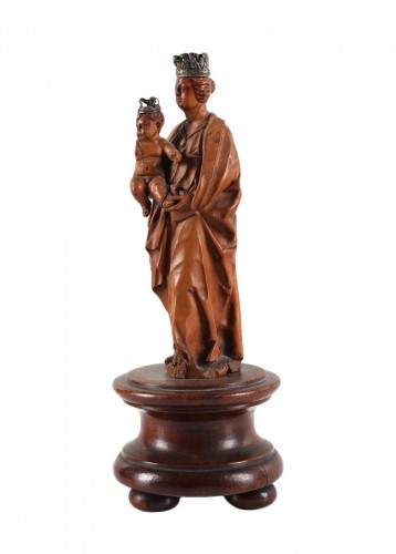 A boxwood group representing Virgin and Child- Netherlandish 17th century