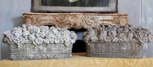 Pair of carved stone baskets - Architectural & Garden Style
