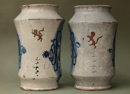 Pair of albarelli from Deruta or Castel-Durante - Porcelain & Faience Style
