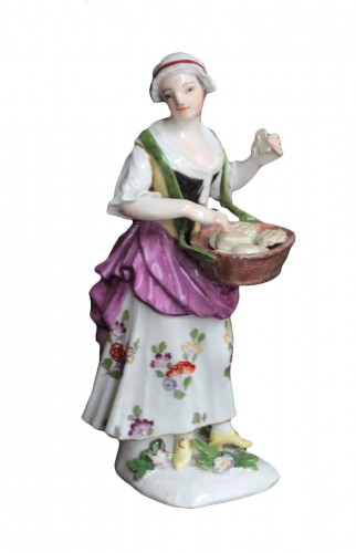 18th century Meissen figure - cookie seller