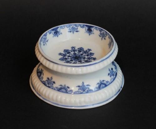 Saltcellar in soft porcelain of Saint-Cloud (France) - Porcelain & Faience Style