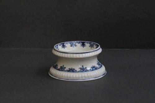 Porcelain & Faience  - Saltcellar in soft porcelain of Saint-Cloud (France)