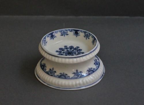 Saltcellar in soft porcelain of Saint-Cloud (France) -