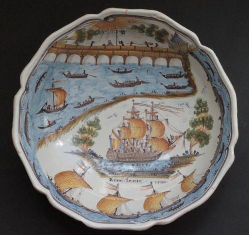 """Large Faience Dish of Nevers """"René Tenié"""" - Porcelain & Faience Style"""