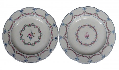 Assiettes en porcelaine de Chantilly