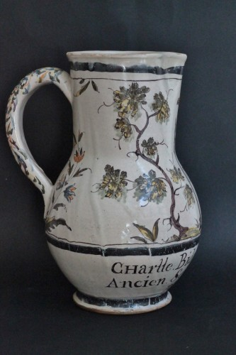 18th century - Faience jug of Lille