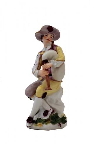 Harlequin statuette in Meissen porcelain