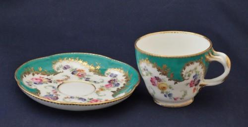 Vincennes porcelain green cup -